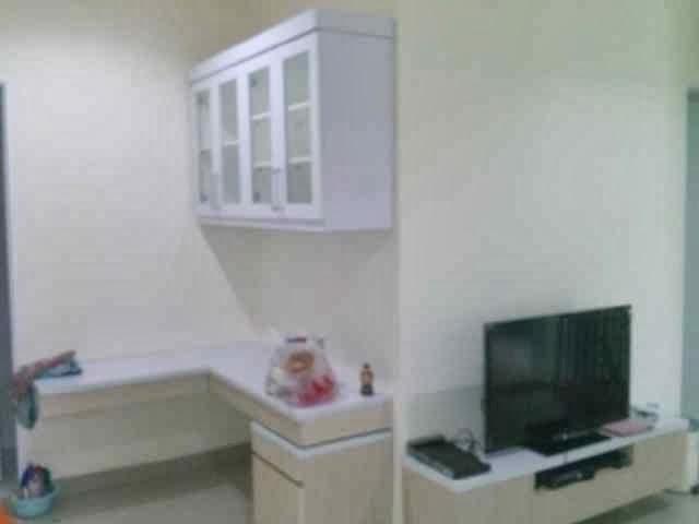 Meja Belajar , lemari buku dan Meja TV  mbak Yulianti Pondok Cabe
