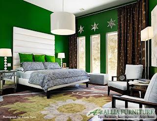 Warna Zamrud di ruangan kamar tidur