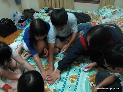 Dalat city - playing cards together