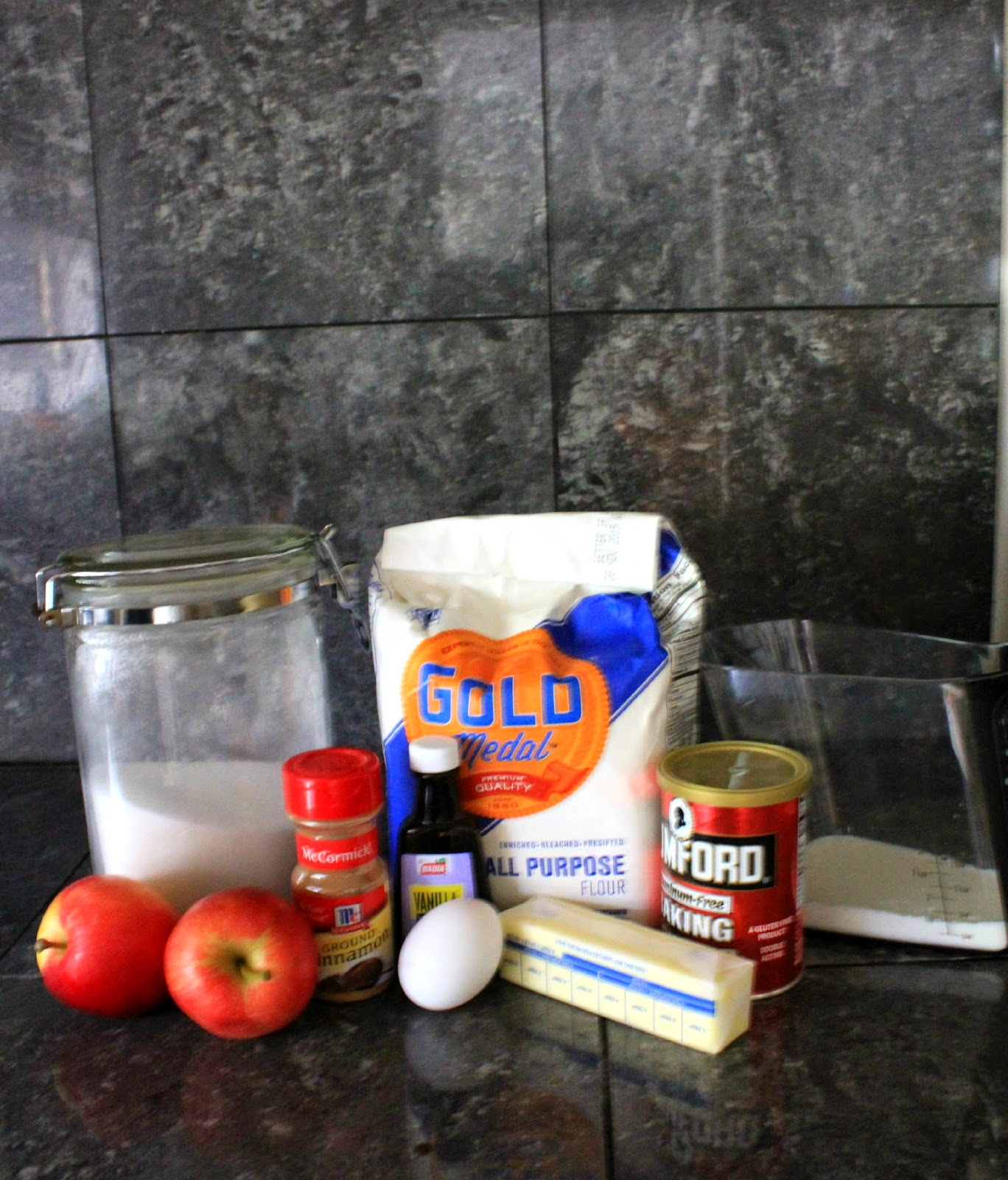 Apple Cinnamon Muffins #GladeHolidayMood #ad