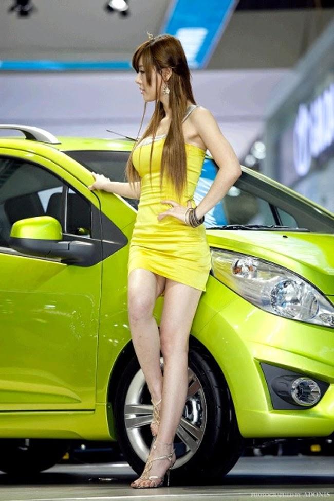 Nóng bỏng như đệ nhất mỹ nhân xe hơi xứ Hàn