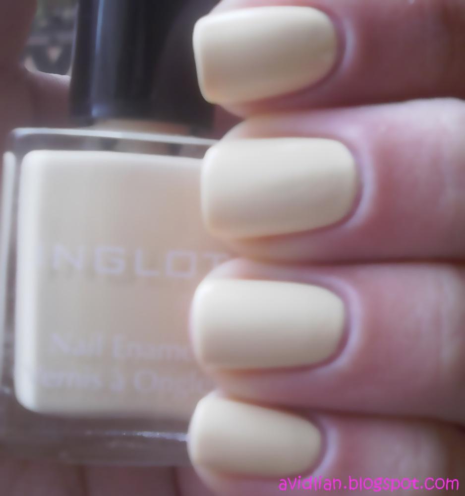 Yellow Nail Polish On: AviDliaN: 50 Members And Yellow Nails