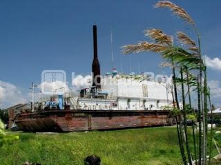 PLTD APUNG yang di bawa ke darat 3km dari laut di saat terjadi tsunami