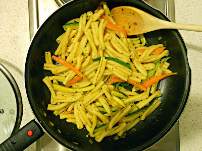 casarecce al curry con verdure croccanti - curry pasta with vegetables
