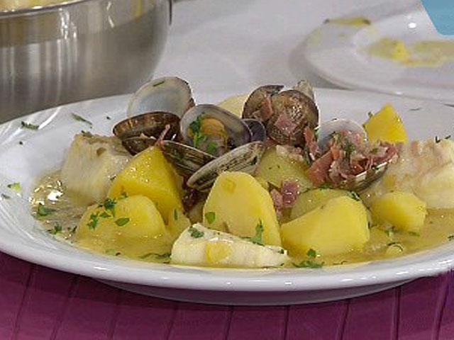 Patatas con bacalao almejas y algas hazlas este fin de semana - Bacalao guisado con patatas ...