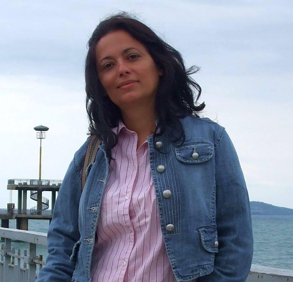 """Ива Касабова - автор на романа """"Да бъде приключение"""", написан заедно с Филип Данчев"""