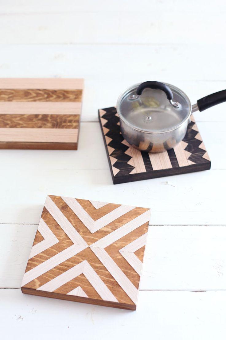 apoiador de panelas de sobras de madeira