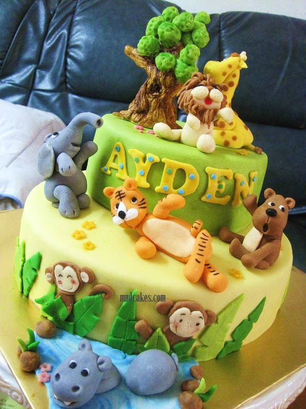 animal themed cakes on Pinterest Jungle Animals, Fondant ...