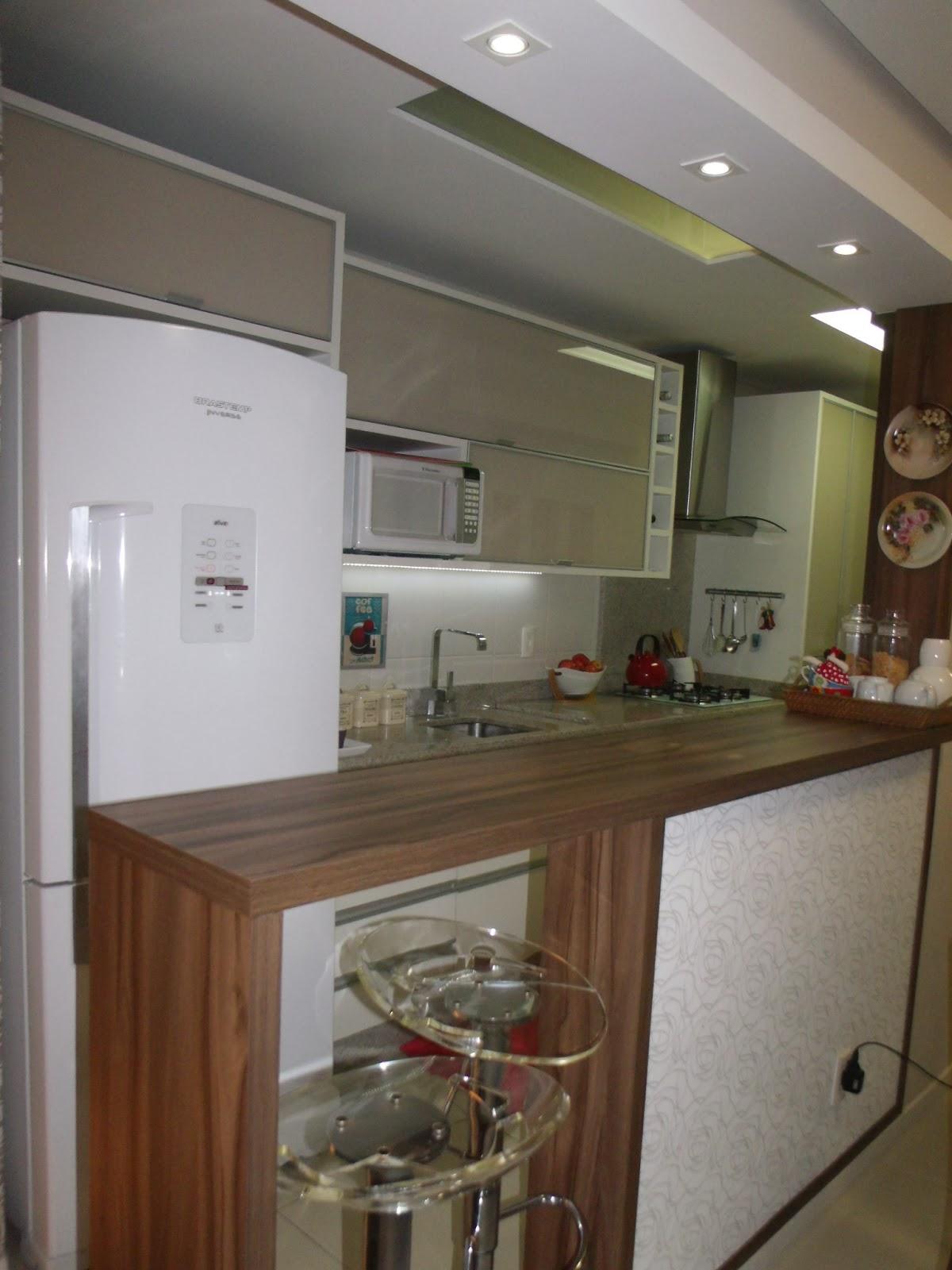 Tô Decorando por Jana Cassis!: Minha cozinha de cara nova! #5F4532 1200 1600