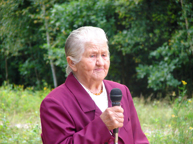 Posada, pani Helena Duda z Długiej Brzeziny, poetka - napisała wiele  wierszy  na temat Hubala i partyzantów. Fot. 1.09.2007.