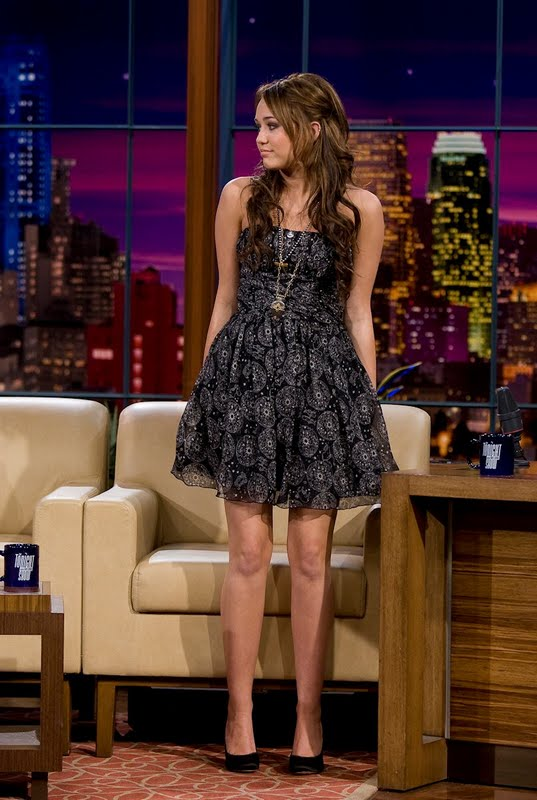 red carpet dresses miley cyrus quotthe tonight show with