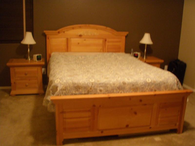 Knotty Pine Bedroom Furniture Sets