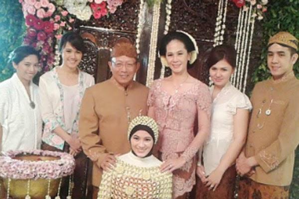 Foto Pernikahan Dude dan Alysa