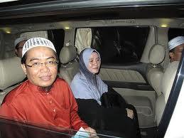 Mufti-perlis-dan-isteri-di-rompak.jpg