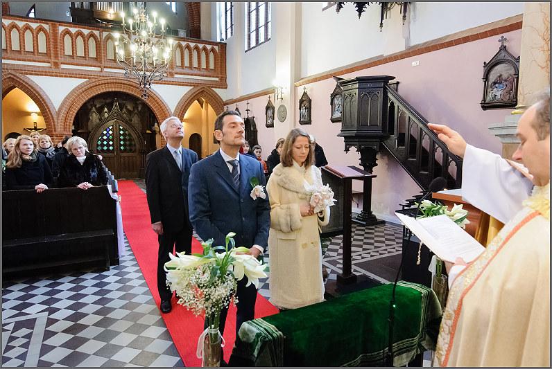 Vilniaus Šv. Onos bažnyčia vestuvėms žiemą