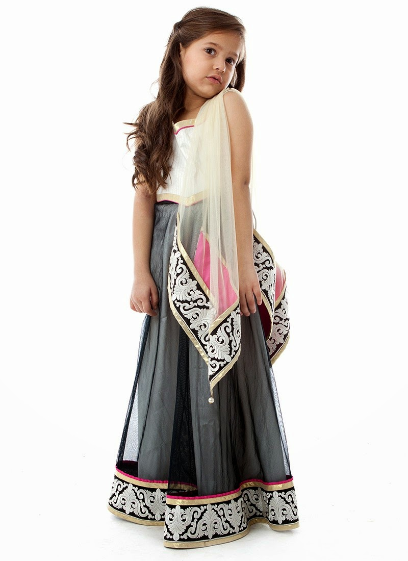 wholesale clothing distributor and wholesale fashion clothes seller for boutique shops. Also, wholesale fashion clothing for plus size for women.