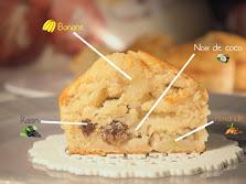 Muffins vitaminés à l'amande, noix de coco, raisins secs et bananes