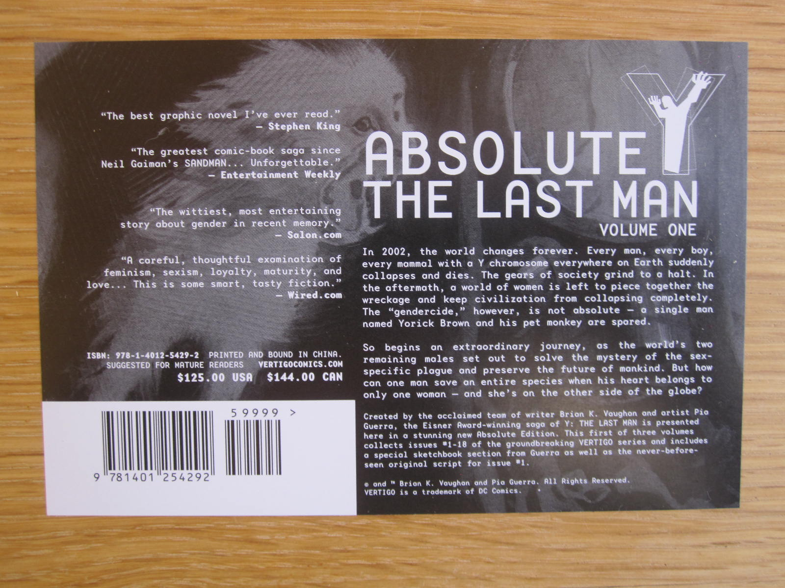 my absolute collection: Y The Last Man Vol 1 Absolute Oversized Slipcase  Edition