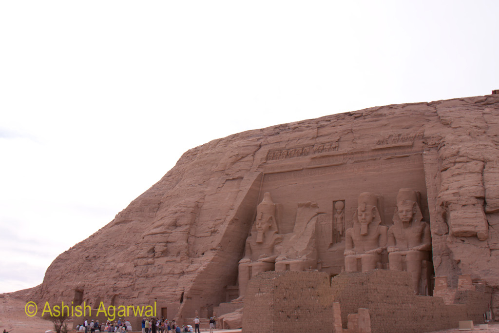 Front view of the temple at Abu Simbel along with the 4 large statues in front