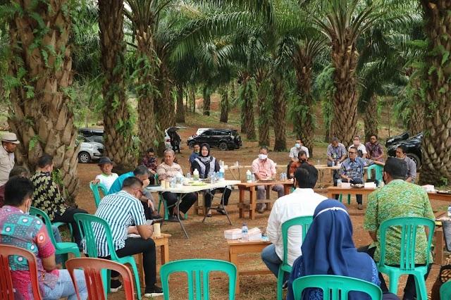 Bupati Subang Kumpulkan BUMN dan BUMD di Bukit Nyomot