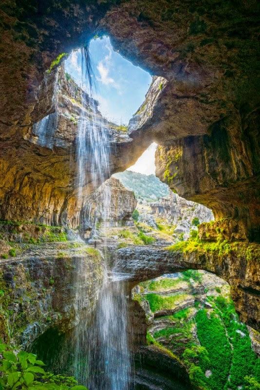 водопад Baatara Gorge
