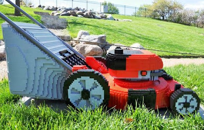 Lawnmover made of Lego