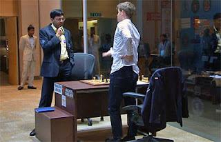 Echecs : Anand et Carlsen à la fin de la 4e partie - Photo © site officiel