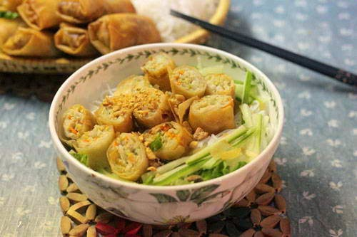 Vietnamese food culture - Bún Chả Giò