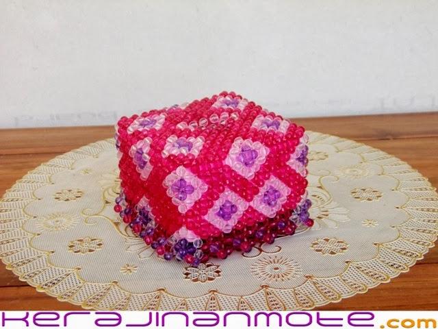 Kerajinan Tangan Tempat Tissue Mote atau Mute Acrylic