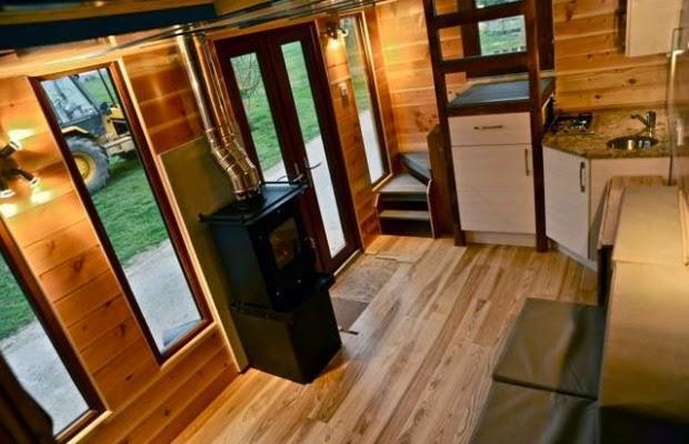 Mini Villa mit Pool - Holz Wohnwagen mit Bad zum Reisen und Wohnen!