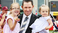 Ricky Ponting With His Daughters