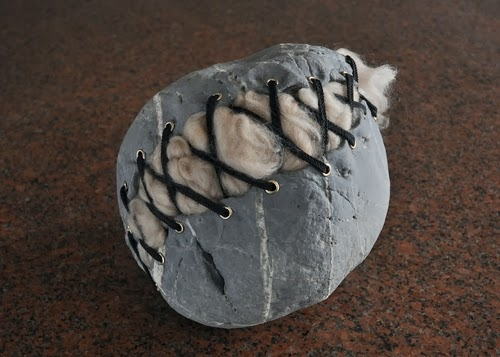 11-Plush-Stone-Sculptor-Hirotoshi-Ito-aka-jiyuseki-Stone-Art-Sculptures-www-designstack-co