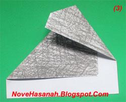 origami gajah ini sangat mudah sekali dan sangat cocok untuk diajarkan kepada anak-anak usia 5 sampai 7 tahun yang masih duduk di taman kanak kanak (TK) dan sekolah dasar (SD) kelas 1. hanya diperlukan 4 kali lipatan saja pada kertas origami 3