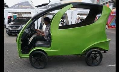 Mobil Tenaga Angin Indonesia Karya Helmi Dja'far