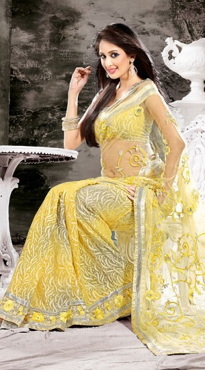 chahat khanna in saree