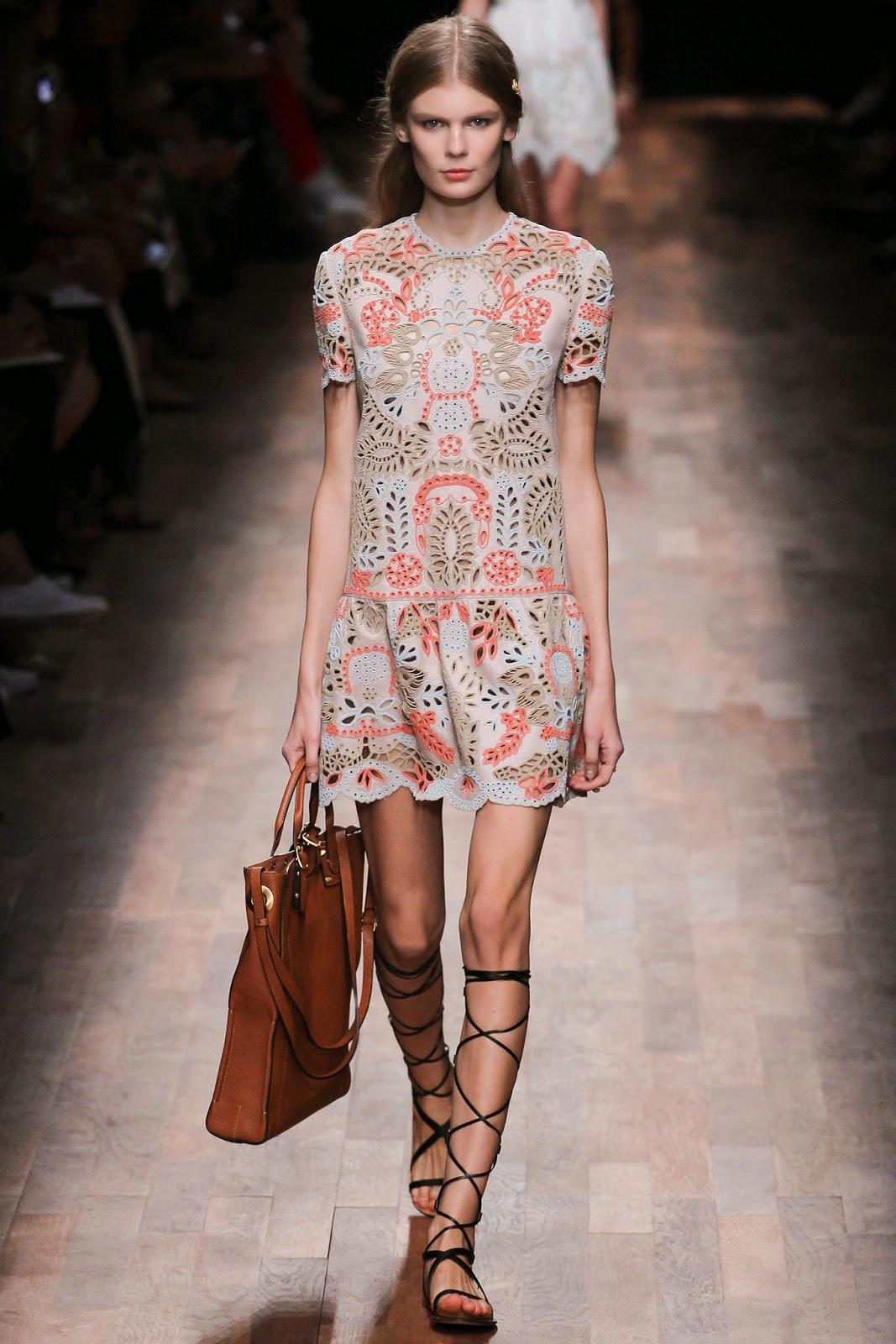 valentino 2015 summer 2016 trend women dress68 Valentino 2015 samling, våren sommaren 2016 Valentino klänning modeller, Valentino kväll klänning nya säsongen kvinnors kjolar modeller