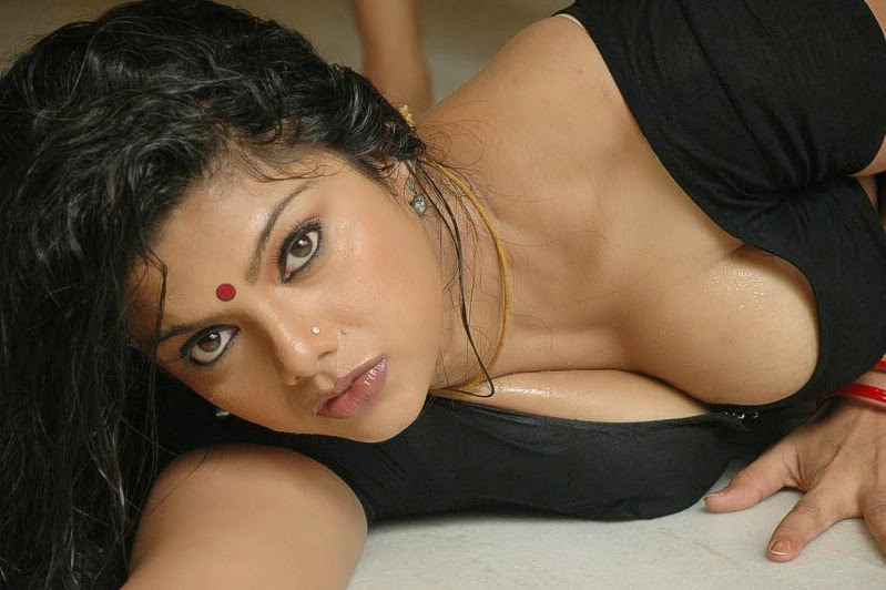 desi bhabi smita bhabhi is seducing her devar