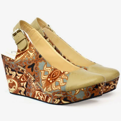 Koleksi model sepatu sandal wedges batik cantik modern ...