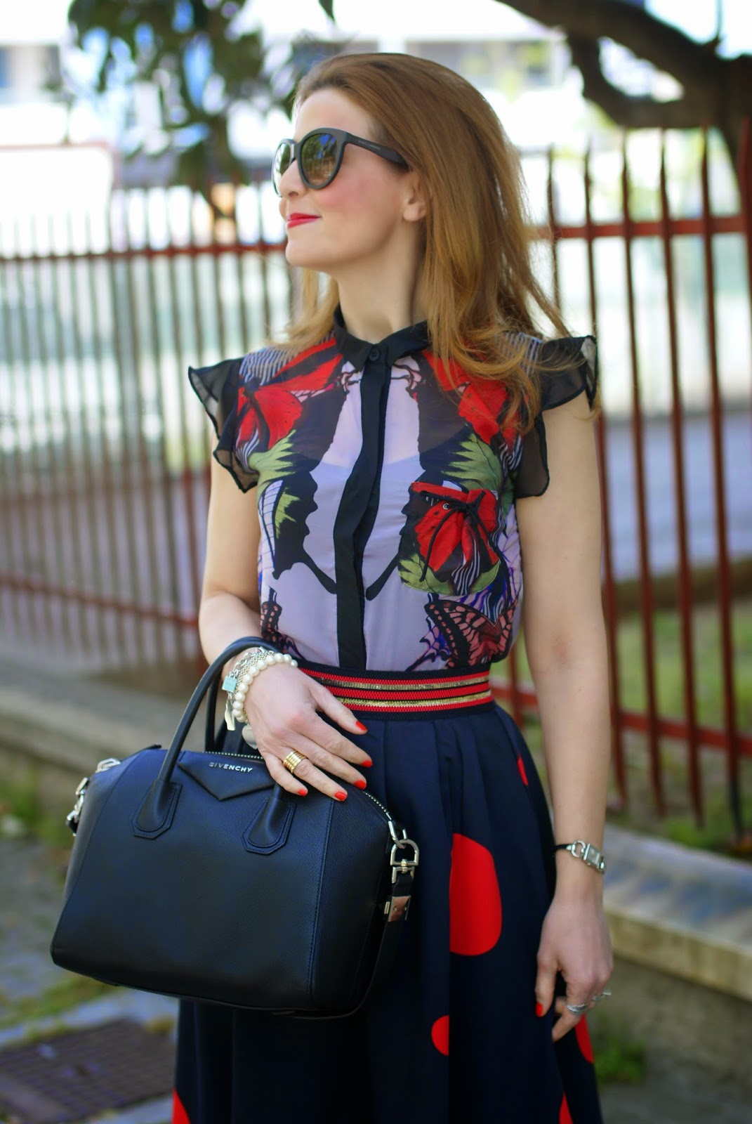 Smash! Saura blouse, Zaful polka dot skirt, large polka dot print, mix of prints on Fashion and Cookies fashion blog, fashion blogger style