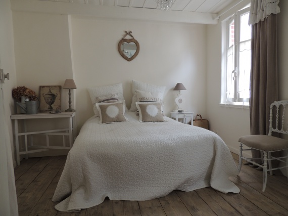 Shabbypassion la maison du pecheur for Deco chambre adulte romantique