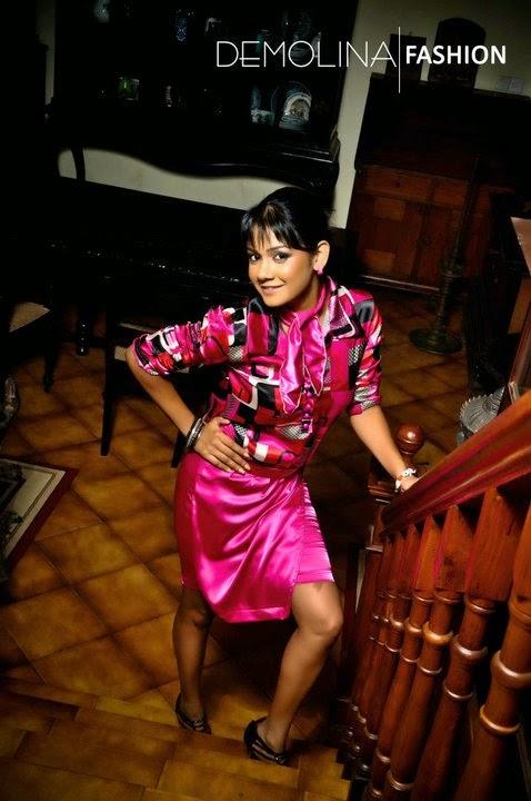 Dinusha Kondadeniya pink legs