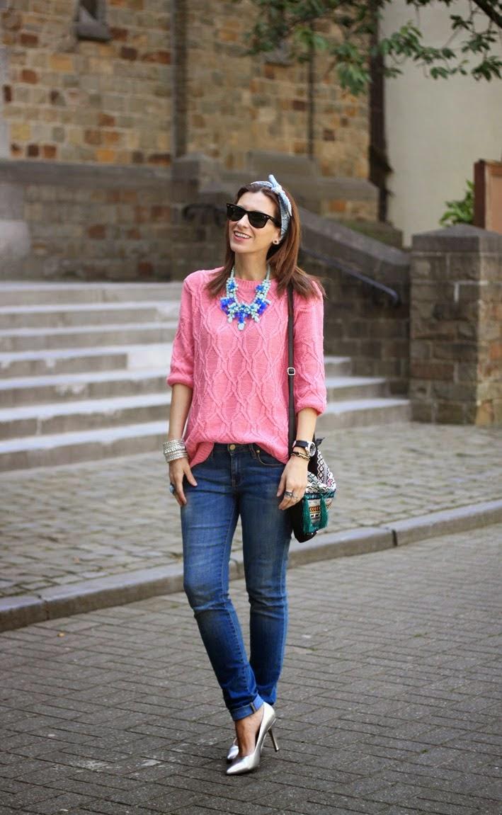 http://www.inlovewith-fashion.com/2014/05/silver-heels-ethnic-bag.html
