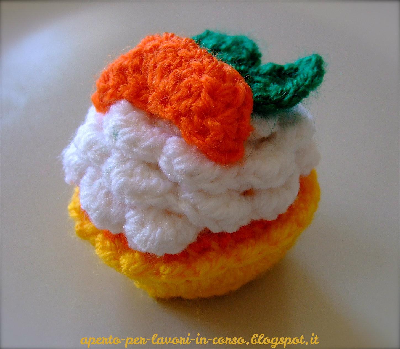Il blog di Laura: Pasticcino amigurumi al mandarino
