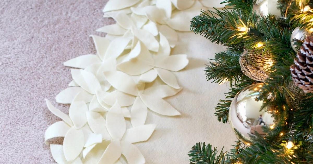 No sew ribbon christmas tree skirt the d i y dreamer