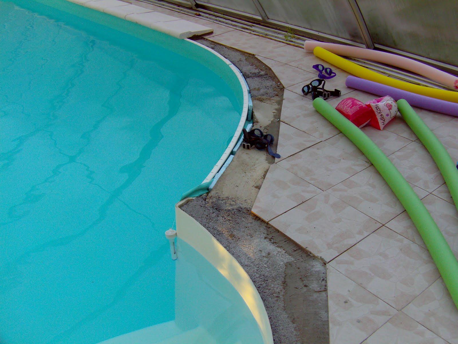 Notre olivia waterair montage etc les margelles et for Pose margelle piscine