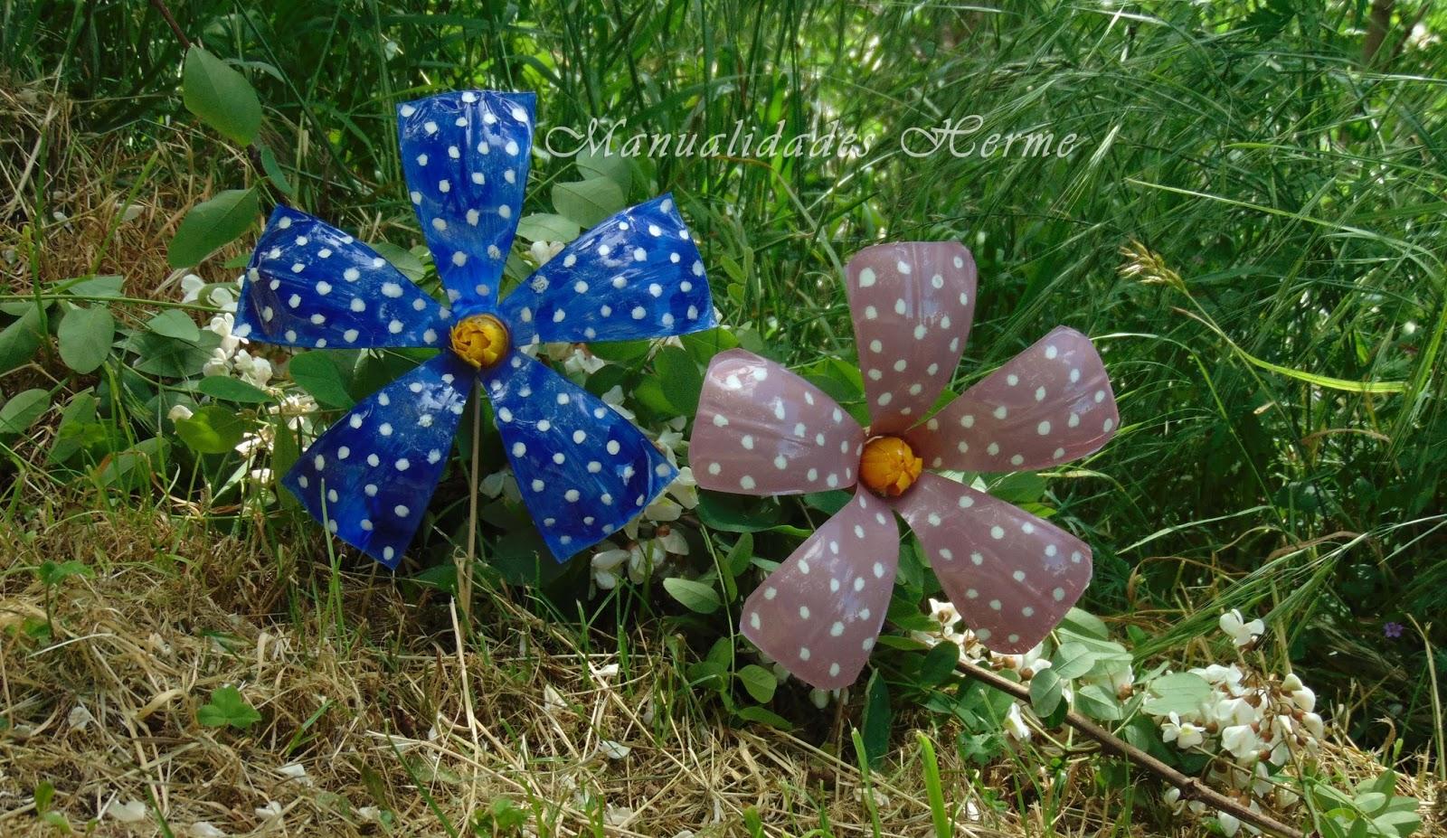 Manualidades herme como hacer flores con botellas for Adornos jardin