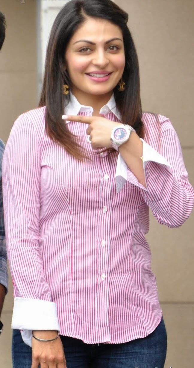 neeru bajwa in blue jeans wearing no shirtless pics