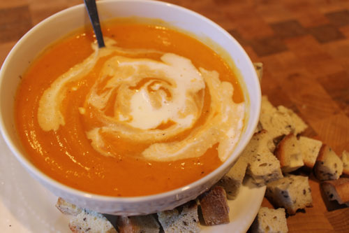 Sous chef baby easiest recipe for you and baby butternut squash soup makes 1 large bowl and 8 jars of baby food makes 2 3 bowls of soup without baby food forumfinder Choice Image