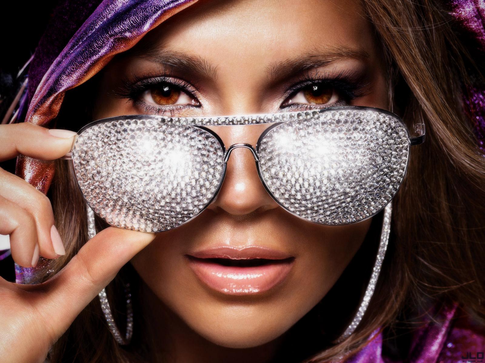 http://4.bp.blogspot.com/-0NbpLb2Oxsk/T2JvSFqZa1I/AAAAAAAAEQc/Yd3AaTdjgAQ/s1600/Eyes-Latest-HD-Wallpapers-Wall-Dhamaal+%281%29.jpg
