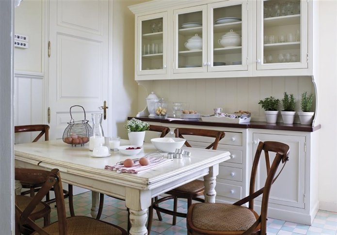 Una cocina blanca y tradicional white and traditional - Cocinas estilo ingles decoracion ...
